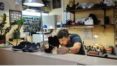 Продается мастерская по ремонту обуви возле метро